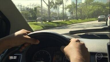 Taxista que transportou Rocha Loures disse que não sabia que mala estava com dinheiro - O Hora 1 ouviu o taxista que transportou, em São Paulo, a mala com R$ 500 mil de propina que seria destinada, segundo um executivo da J&F, ao presidente Michel Temer.