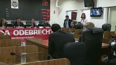 Ex-prefeita de Sumaré Cristina Carrara presta depoimento sobre acusação de receber propina - A ex-prefeita, do PSDB, é acusada de receber dinheiro para beneficiar a Odebrecht Ambiental, responsável pelo serviço de água e esgoto em Sumaré.