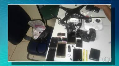 Jovens são presos e menor apreendido ao usarem drone para levar celulares para presídio - Jovens são presos e menor apreendido ao usarem drone para levar celulares para presídio