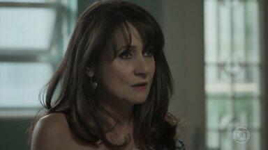 Edinalva teme que Ruy descubra sobre o casamento de Ritinha com Zeca - A parense afirma para o marido que vai participar de uma noite de carimbó. Yuri é envolvido em um perigoso jogo na internet