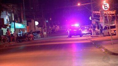 Confusão termina em troca de tiros e homem ferido na madrugada - Confusão termina em troca de tiros e homem ferido na madrugada.