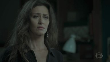 Joyce se preocupa com Ivana - Ela questiona a filha sobre insatisfação da jovem com o próprio corpo