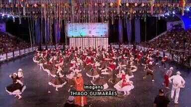 Final do festival regional de quadrilhas juninas da Globo anima Pernambuco - O grupo junino alagoano Santa Fé ficou em quarto lugar.