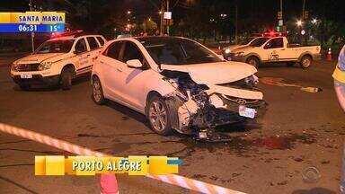 Motorista fica ferido após caminhonete capotar em Porto Alegre - Acidente ocorreu na região Central da capital.