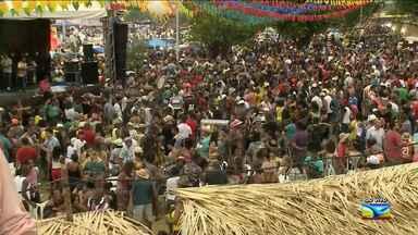 Milhares de pessoas se reúnem no Largo de São Pedro na capital maranhense - Milhares de pessoas se reúnem no Largo de São Pedro na capital maranhense