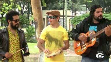 Músico de Arapiraca, Janu se apresenta em Maceió - Ele mistura músicas latinas com um pouco da cultura nordestina.