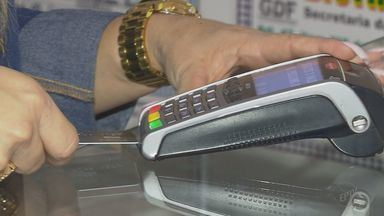 Nova regra permite aplicação de preços diferentes conforme a forma de pagamento - Na prática, a medida permite o desconto para quem paga à vista.