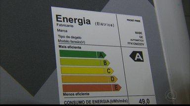 Aneel altera bandeira de cobrança de energia elétrica para Amarela para o mês de julho - Com a alteração da bandeira tarifária para amarela, será cobrado um valor de R$ 2,00 para cada 100 Kw/h consumido.