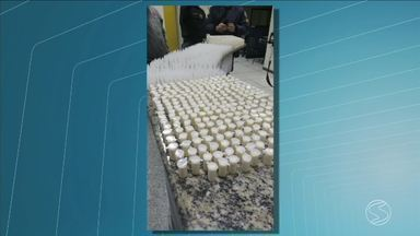 Quatro suspeitos são flagrados com 1.718 cápsulas de cocaína em Páraíba do Sul, RJ - Ocorrência aconteceu no bairro Parque Niagara.