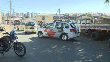 Polícia Militar faz perseguição contra grupo suspeito de roubo em Campinas - Moradores do São Fernando, em Campinas, reclamaram da atuação da PM.
