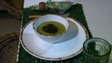 Aprenda uma delciosa receita de caldo verde com mandioquinha - Além de saboroso, o prato é nutritivo.