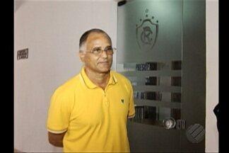 Oliveira Canindé é demitido do Remo - Saída do treinador foi oficializada na manhã desta segunda-feira. Logo em seguida a direção do clube confirmou a contratação de Léo Goiano