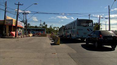 Obra inacaba em terminal de ônibus de Fortaleza complica o trânsito - Prefeitura estabelece prazo para concluir a obra.