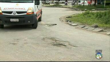 Motoristas reclamam de buracos em ruas de Caruaru - Após as chuvas algumas ruas ficaram esburacadas.