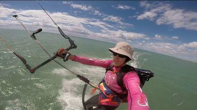 Projeto Estrelas do Mar tem campanha de mil quilômetros de kitesurf - Projeto ensina bodyboard à crianças com síndrome de down