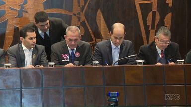 Audiência Pública reuniu representantes de universidades e deputados estaduais em Curitiba - Objetivo do encontro era discutir a situação das universidades estaduais.