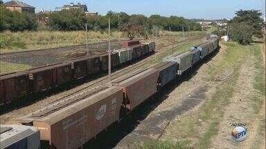 Prefeitura anuncia transposição de linha férrea em Araraquara, SP - Obra deve começar em até 6 meses. O valor total é de R$ 120 milhões.