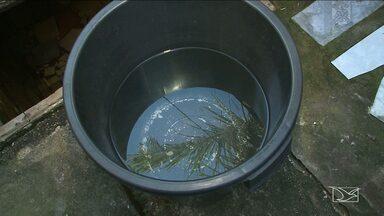 Moradores estão há um mês sem água em bairro de São Luís - Sem água nas torneiras, os moradores têm que se virar para pagar a conta da Caema e a do carro pipa.