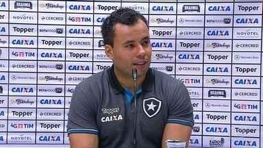 """Jogadores e treinadores tem noite de """"primeira vez"""" na 13ª rodada do Brasileirão - Jair Ventura venceu a primeira partida dentro do Maracanã no clássico vovô."""