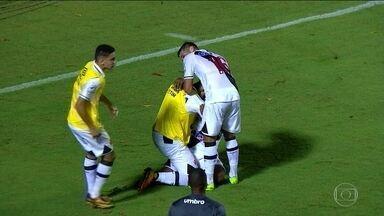 Vasco vence a primeira fora de casa, e será julgado pela briga em São Januário - Vasco vence a primeira fora de casa, e será julgado pela briga em São Januário
