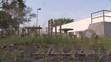Centro Educacional Unificado de Cubatão está abandonado - Local recebeu investimentos do Governo Federal.