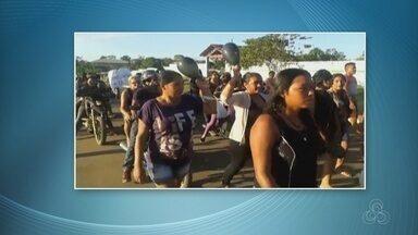 Familiares e amigos fazem protesto após morte de empresária no interior do AM - Crime ocorreu no município de Urucurituba.