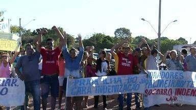 Moradores de Filadélfia protestam contra impactos da hidrelétrica de Estreito nas casas - Moradores de Filadélfia protestam contra impactos da hidrelétrica de Estreito nas casas