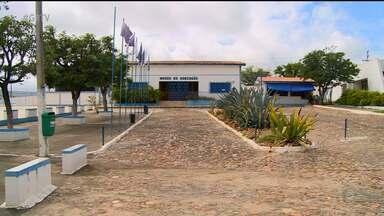 Parque Aza Branca pode fechar as portas, em Exú - Espaço está com rachaduras e infiltrações.