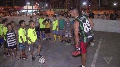 Projeto Social de Educação Física chama atenção em São Vicente - Ação conquista crianças e adolescentes.
