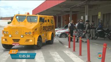 Bandidos atacam carro-forte em supermercado de Campina Grande - Houve tumulto, tiroteio e um bandido ficou ferido.