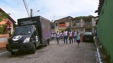 Patrulha Digital tira dúvidas de moradores de Abreu e Lima - Faltam oito dias para o desligamento do sinal analógico de televisão.