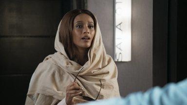 """Michele faz sucesso como Celeste, personagem da novela fictícia """"Amor e Êxtase"""" - Novo trabalho da cantora promete estremecer seu casamento com Brau"""