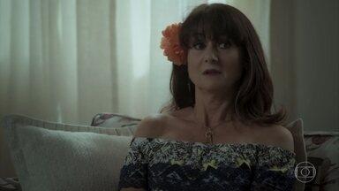 Edinalva faz perguntas sobre a mãe de Zeca e Jeiza se incomoda - Zeca fica furioso ao saber que a mãe de Ritinha está fazendo perguntas sobre a sua mãe