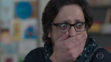 Roney perde a voz antes do show - O pai de Keyla se desespera no camarim improvisado