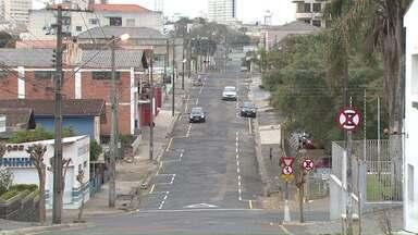 Binário é implantado em duas ruas do Nova Rússia - Mudanças, que começaram hoje, foram feitas nas ruas Minas Gerais e Rio de Janeiro