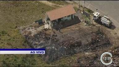 PEV pega fogo em Guaratinguetá - Foi na unidade no bairro São Dimas.