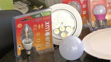 Lâmpadas LED têm sido preferência entre consumidores que desejam economizar - Em busca de economia o consumidor tem procurado comprar produtos de baixo consumo de energia, nessa linha alguns itens se destacam, é o caso das lâmpadas LED.