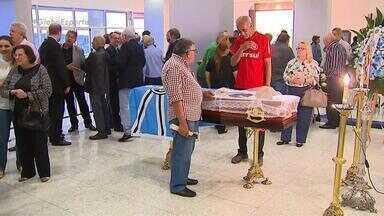 Patrono Hélio Dourado é velado na Arena do Grêmio - 'Pai' do Olímpico, dirigente histórico gremista morreu na madrugada desta terça (1º), aos 87 anos.
