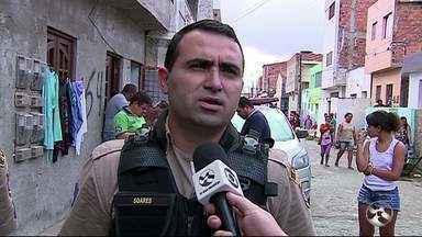 Filha é suspeita de matar a mãe a facadas em Caruaru - Segundo a Polícia Militar, outra filha da vítima informou que a irmã tem depressão, mas nunca apresentou um quadro de agressividade.