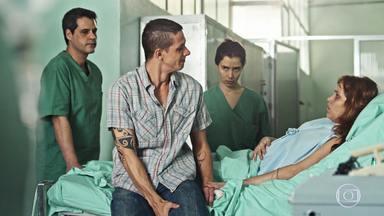 Episódio 5 - Médicos precisam tirar bala perdida que atingiu o coração de uma senhora. Homem teme ter transmitido HIV à sua esposa, que está grávida.