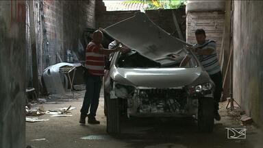 Polícia fecha oficina usada em desmanche de veículos em São Luís - Polícia fechou no bairro da Areinha, uma oficina mecânica que era usada para desmanche de veículos.