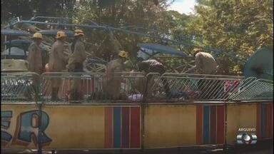 """Presidente da Agetul diz que não 'vê motivo' para indenizar feridos do Mutirama - Segundo Alexandre Magalhães, órgão está fazendo """"o que for preciso"""" para as 13 pessoas que se machucaram. Ele afirmou que engenheiro responsável pelo parque trabalhava """"voluntariamente""""."""