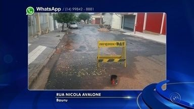 Vazamento de água no Jardim Bela Vista é exemplo de desperdício de água em Bauru - Um vazamento na Rua Nicola Avalone, no bairro Bela Vista, está causando indignação nos moradores de Bauru. A água limpa mina do asfalto e já lavou a rua toda, além disso os moradores da região reclamam da falta de água durante a tarde.