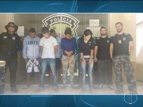 Quadrilha especializada em tráfico de drogas em Medina é presa durante a operação - Na capital, 12 pessoas são presas suspeitas de golpe contra caixas eletrônicos.