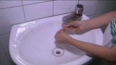 Projeto estimula crianças a reaproveitarem água na escola - Veja na reportagem de Larissa Fernandes.