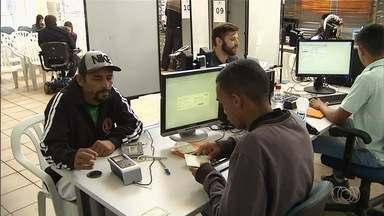 Cartórios eleitorais começam a abrir aos sábados para cadastramento biométrico em Goiás - Em 122 municípios está ocorrendo a quarta e última etapa do cadastramento, e procura é baixa.
