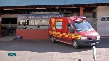 Funcionários são presos por impedir entrada de ambulância na Santa Casa de Campo Grande - Paciente com dedo amputado e fraturas diversas teve piora enquanto aguardava do lado de fora, dizem bombeiros. Hospital alega superlotação e restringe acesso de ambulâncias.
