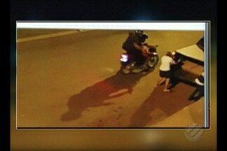 Enterrado o corpo da empresária Augusta Silva, baleada no centro de Paragominas - Imagens mostram momento em que ela caminha em direção ao carro dela e é atacada por homens em uma moto.