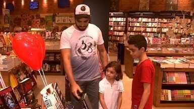 Procura pelo presente do Dia dos Pais movimenta lojas em Maceió - Lojistas apostam na data para aumentar as vendas.