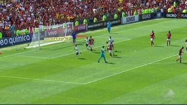 Com direito a golaço: Vitória aplica 2 x 0 no Flamengo e respira no Brasileirão - Confira as notícias do rubro-negro baiano.